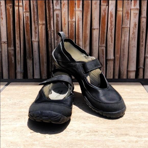 Merrell Shoes Merrell Black Leather Velcro Barefoot Shoes 95 Poshmark